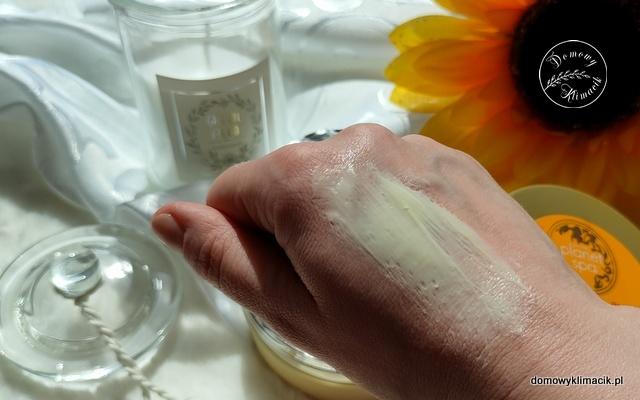 Masło do ciała o zapachu orientalnym. The Ayurveda Ritual Smoothe & Balance Body Butter.