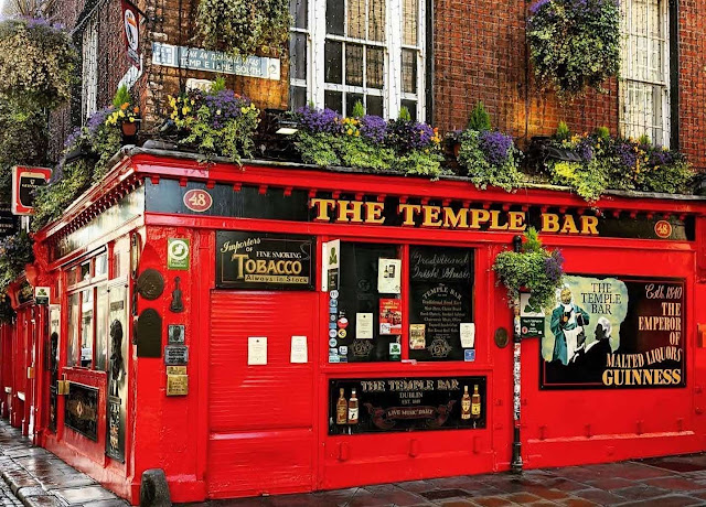 Pictures of Dublin Ireland: The Temple Bar pub