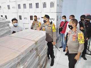 Cek Kesiapan Logistik KPU, Kapolres Luwu Utara AKBP Irwan Sunuddin Sampaikan Ini