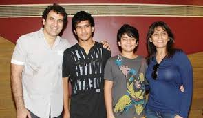 Parmeet Sethi Family Wife Son Daughter Father Mother Age Height Biography Profile Wedding Photos