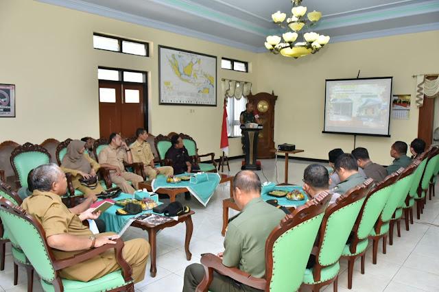 Komandan Satgas TMMD Paparkan Pelaksanaan TMMD 105 di Trenggalek