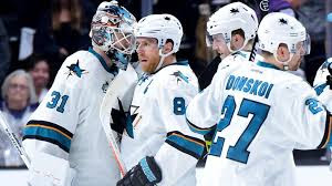 NHL : Savvy Penguins Seek 2-0 Lead on Sharks