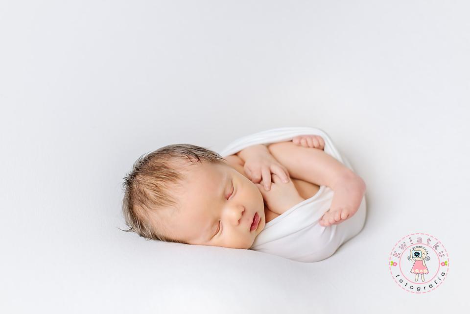 Sesja noworodkowa Pruszcz Gdański, noworodki, ciąża, zdjęcia rodzinne