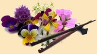 От цветов на которые смотрят к цветам которые едят, цветы, съедобные цветы, травы, съедобные травы, какие цветы можно есть, какие цветы нельзя есть, цветы в кулинарии, съедобный букет, какие цветы можно добавлять в еду, советы кулинарные, экзотическая кулинария, еда, кулинария, едят ли цветы, как есть цветы, рецепты из цветов, как добавлять цветы в еду, рецепты из цветов