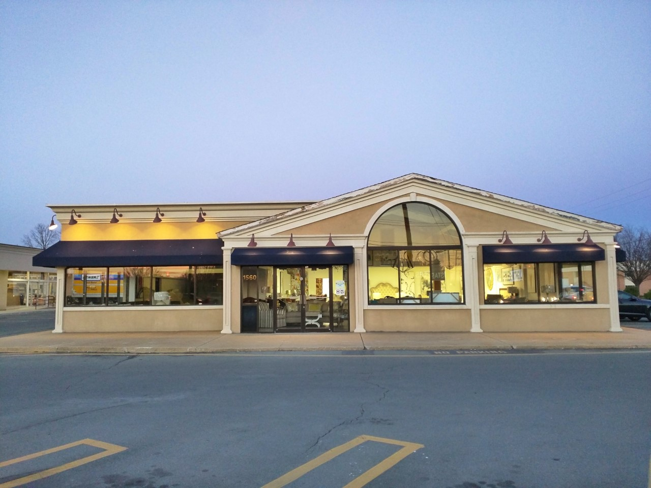 Rockville Nights Persiano Furniture Outlets Opens In Rockville Photos