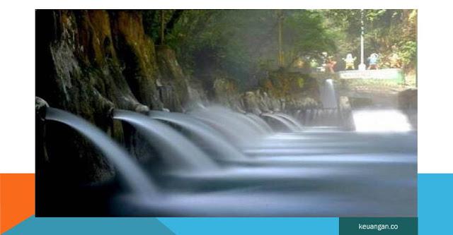 objek wisata pemandian air panas Guci Tegal jawa tengah