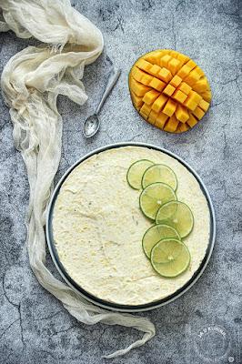 Nepečeni mango čiz kejk