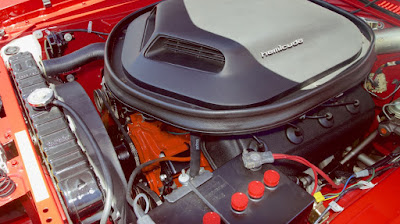 1971 Plymouth Barracuda Cuda Hemi Sports Coupe Engine 02