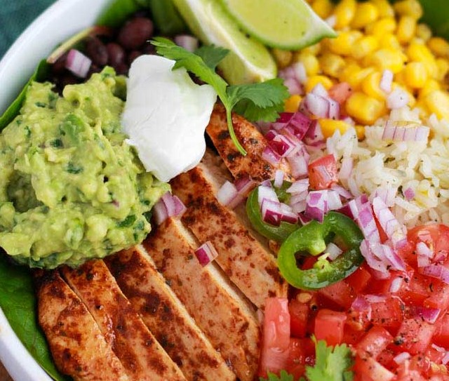 Chicken Burrito Bowl #mexicanstyle #lunch