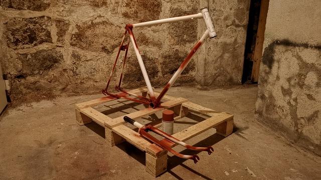 Fahrrad Rahmen lackieren Grundierung