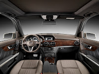 New 2012 Mercedes Benz GLK X204 FaceLift Interior Cockpit High Resolution Image