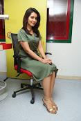 rashi khanna new glam pics-thumbnail-17