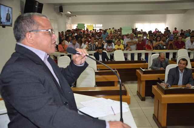 Vereador Adonilson Lima é o autor da proposição de fim da taxa