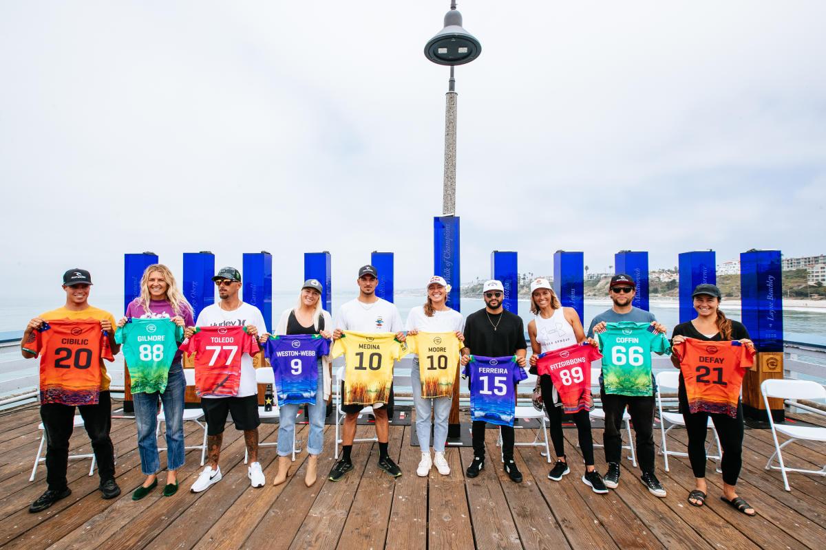 Dez finalistas lado a lado mostram camisas especiais