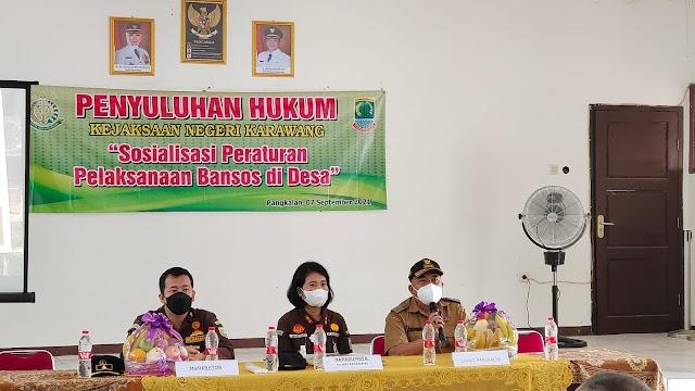 Kejari Karawang Lakukan Penyuluhan Hukum di Desa Se-Kecamatan Pangkalan dan Tegalwaru