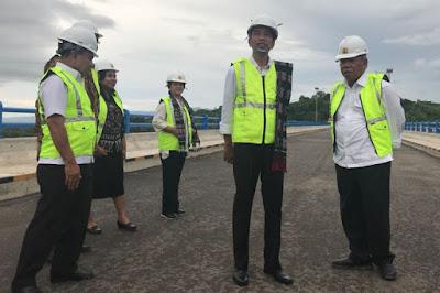 Lapangan Kerja Rendah, Program 'Tebar Uang' Jokowi Salah