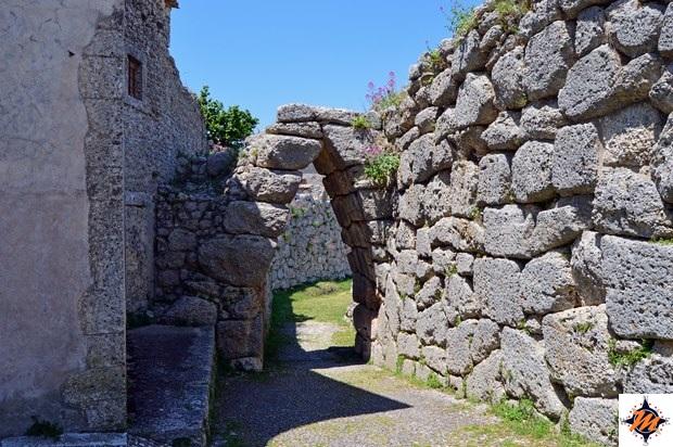 Arpino, Acropoli