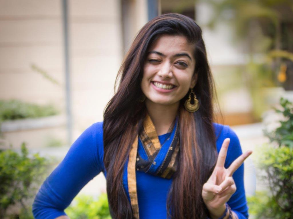 Rashmika Mandanna Sexy Photos