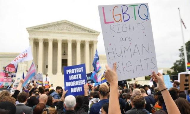 I GAY SARANNO PROTETTI PER LEGGE COME LE ALTRE MINORANZE NEGLI USA