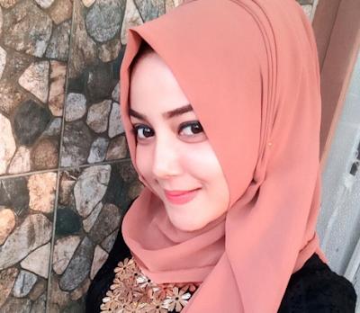 Rahma Novi Yanti model aceh