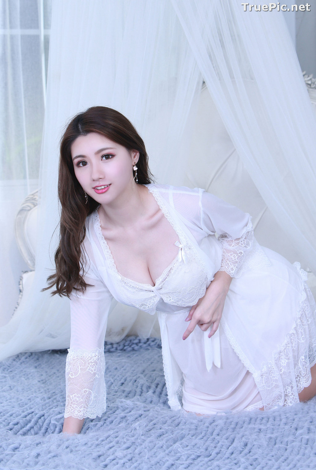 Image Taiwanese Model - 張倫甄 - Lovely and Beautiful White Sleepwear - TruePic.net - Picture-1