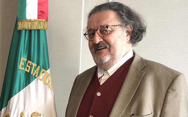 Cesan al escritor Jorge F Hernández como agregado cultural en España