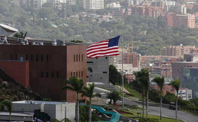 Embajada de EE UU instó a Maduro a permitir la ayuda humanitaria