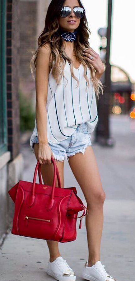 cool casual style outfit: bag + top + shorts