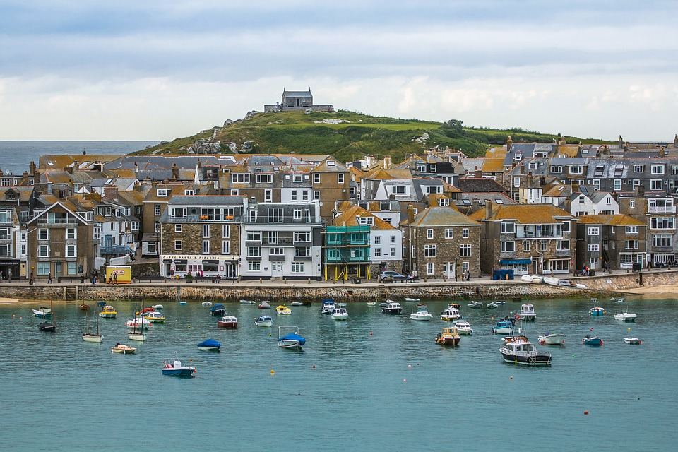 Driving to Cornwall from Newcastle with Kids | Our nine day itinerary for February Half Term - St Ives Harbour