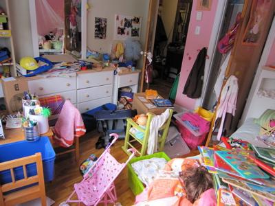 les bons conseils de tati julotte faut il ranger la chambre. Black Bedroom Furniture Sets. Home Design Ideas