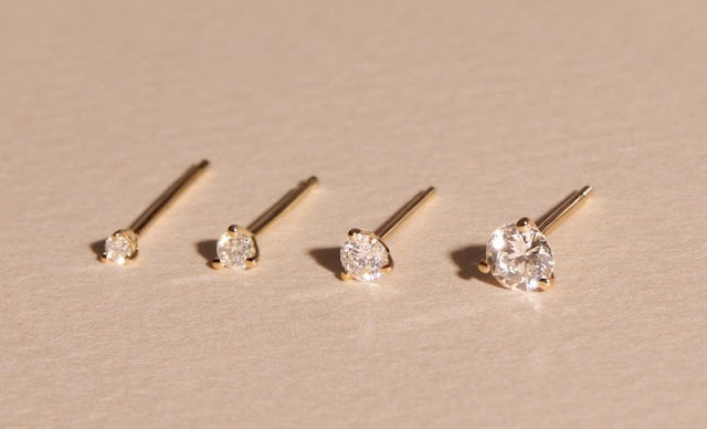 The Complete Guide to Buying Diamond Studs