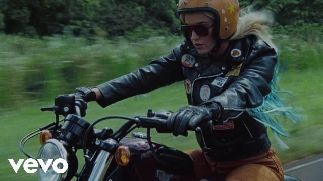 Harleys In Hawaii Lyrics - Katy Perry