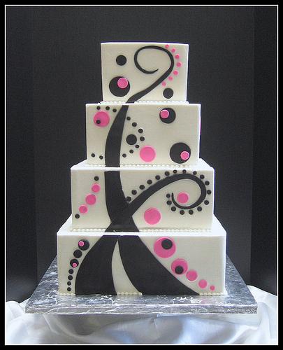 Modern Wedding Cakes: Prepare Wedding Dresses: Modern Square Wedding Cakes