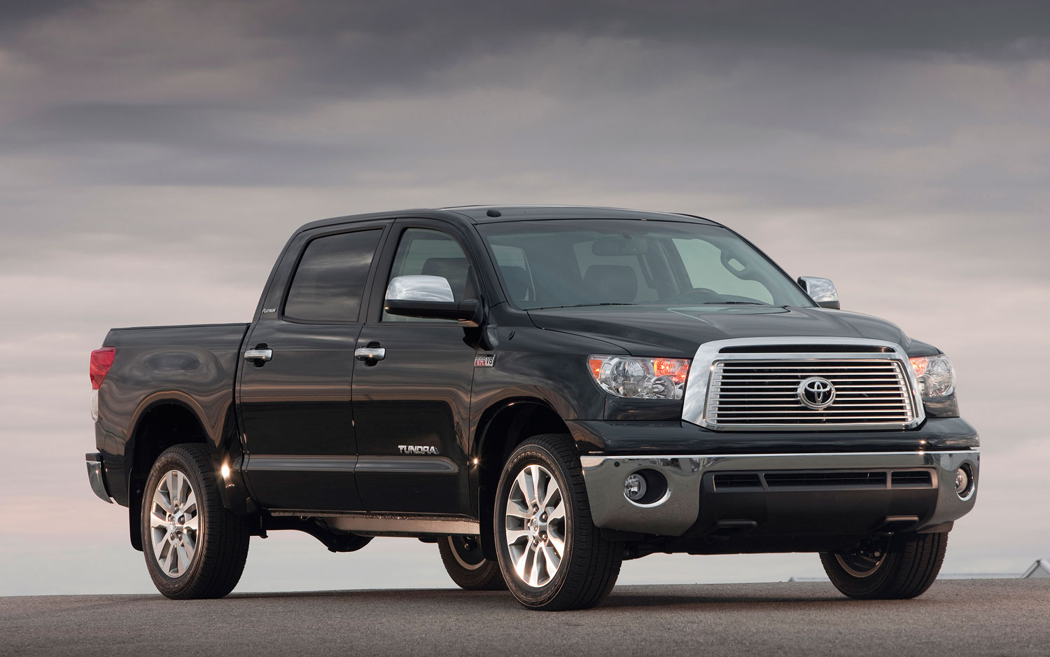 new car review 2013 toyota tundra crewmax limited 4x4. Black Bedroom Furniture Sets. Home Design Ideas
