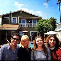 Foto mostrando AJ Croce com sua esposa Marlo, sua filha Camille e o filho Elijah.