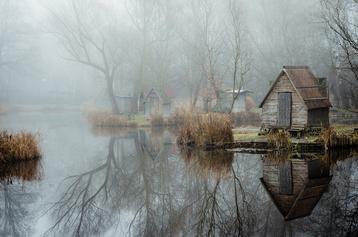 12-Viktor Egyed-Photographs-of-the-Enchanted-Fishing-Village-www-designstack-co