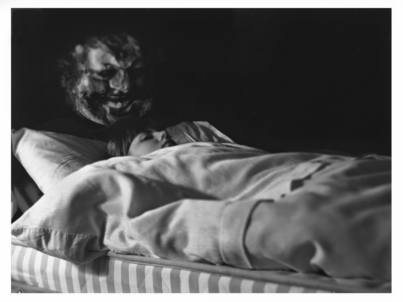 Man With Sleep Paralysis Captures Shadow Person Apparition
