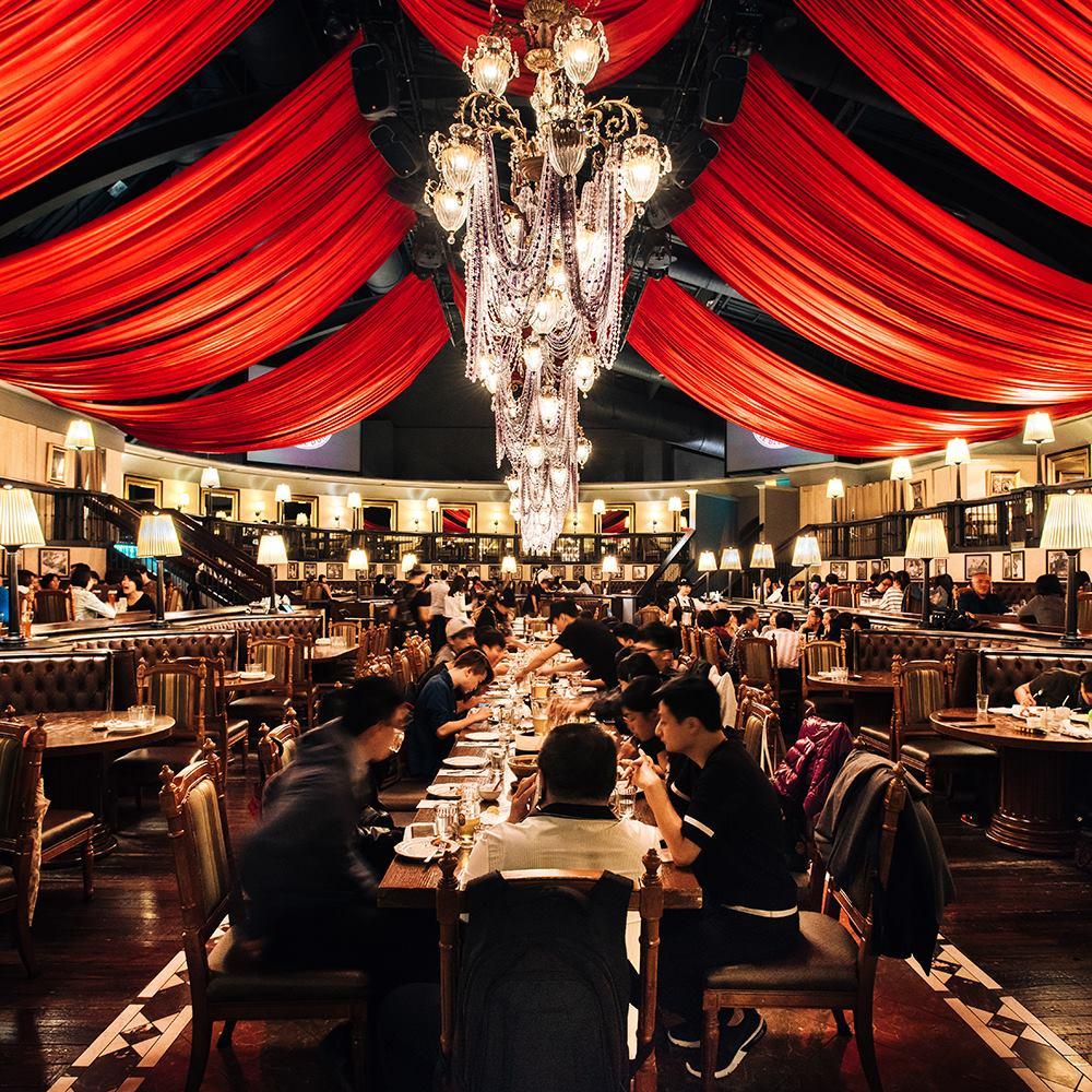 金色三麥美麗華的裝潢超級華麗,要是有主題婚禮的話應該很不錯