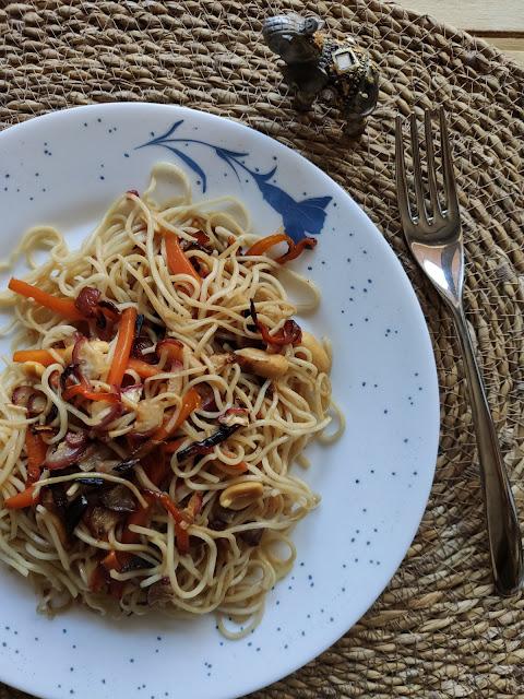 [#Recepta] Noodles amb verdures i cacauets