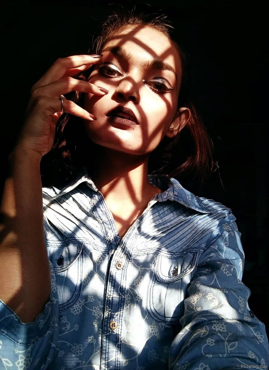 Selfie Pose For Girl With Window Shadow