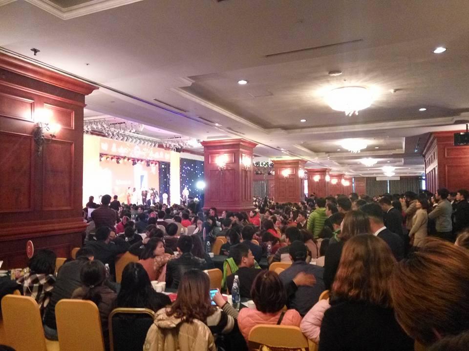 Khách hàng đã đặt mua chung cư Hateco Xuân Phương tới tham dự trận kín khán phòng tổ chức sự kiện lớn nhất của khách sạn Grand Plaza