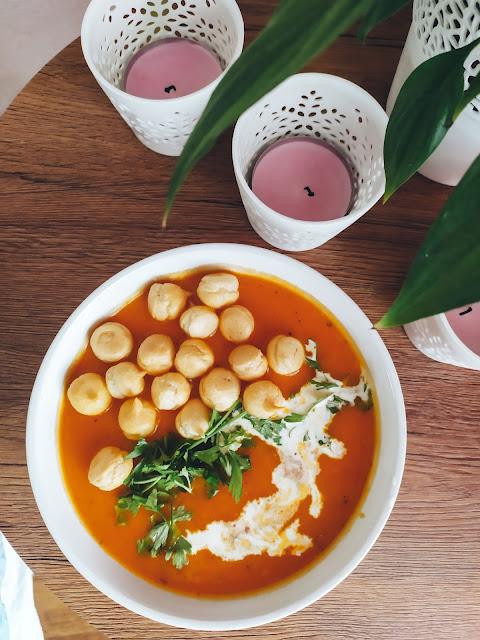 zupa krem, dynia, batat, słodkie ziemniaki, fit przepis, zdrowy posiłek, zupa z dyni, zupa krem z dyni, pikantna zupa dyniowa, zupa dyniowa, przepis, fit przepis, szybkie dania, danie na każdą kieszeń, zupka dyniowa, dynia, pumpkin soup