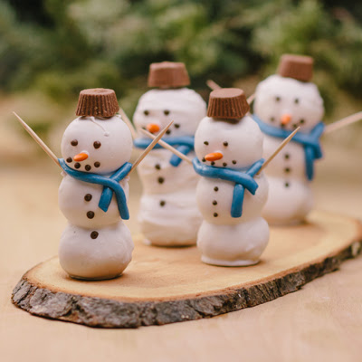https://www.verybestbaking.com/recipes/147023/brownie-snowmen/?recipeBrand=tollhouse&recipeOccasion=christmas-winter-holidays