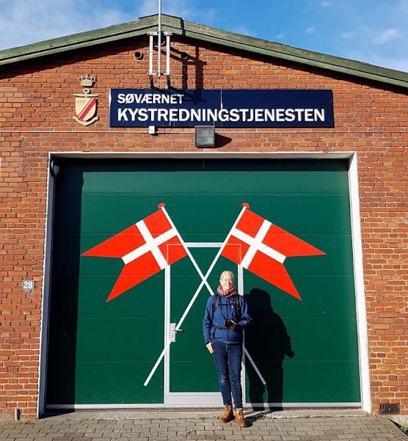 Urlaub auf Fanø mit Kindern: 12 Ausflugstipps für das wunderschöne Sønderho. Die neue Rettungswache von Sönderho ist ein beliebtes Fotomotiv für Besucher des Ortes.