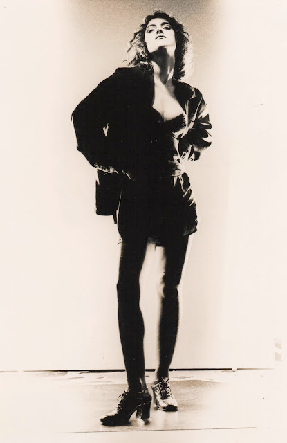Marisa Monte em foto preto e branco