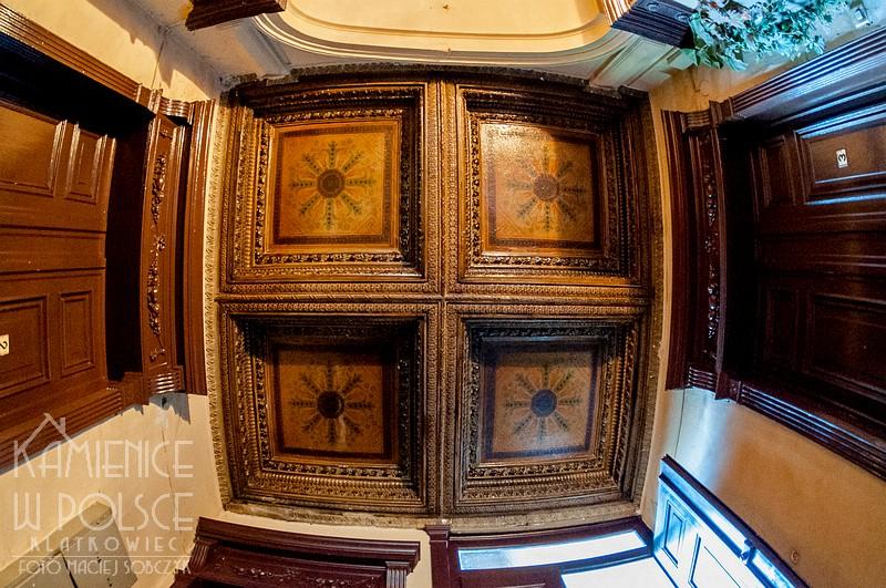 Świdnica: ozdobny sufit - kasetony