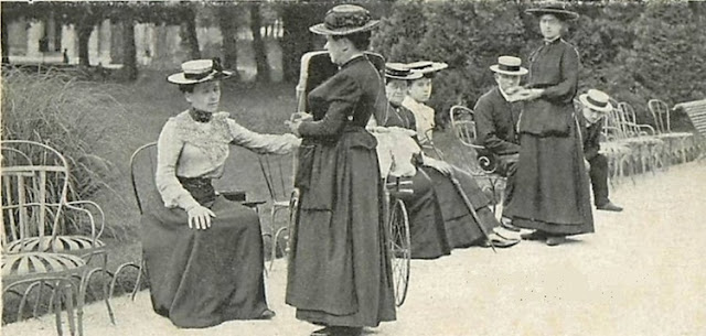 """As """"chaisières"""" eram encarregadas de recolher o dinheiro do aluguel das cadeiras nos parques públicos"""