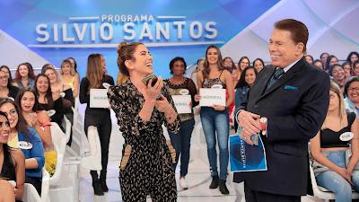 Patricia se diverte com Silvio no Jogo dos Pontinhos (Crédito: Lourival Ribeiro/SBT)