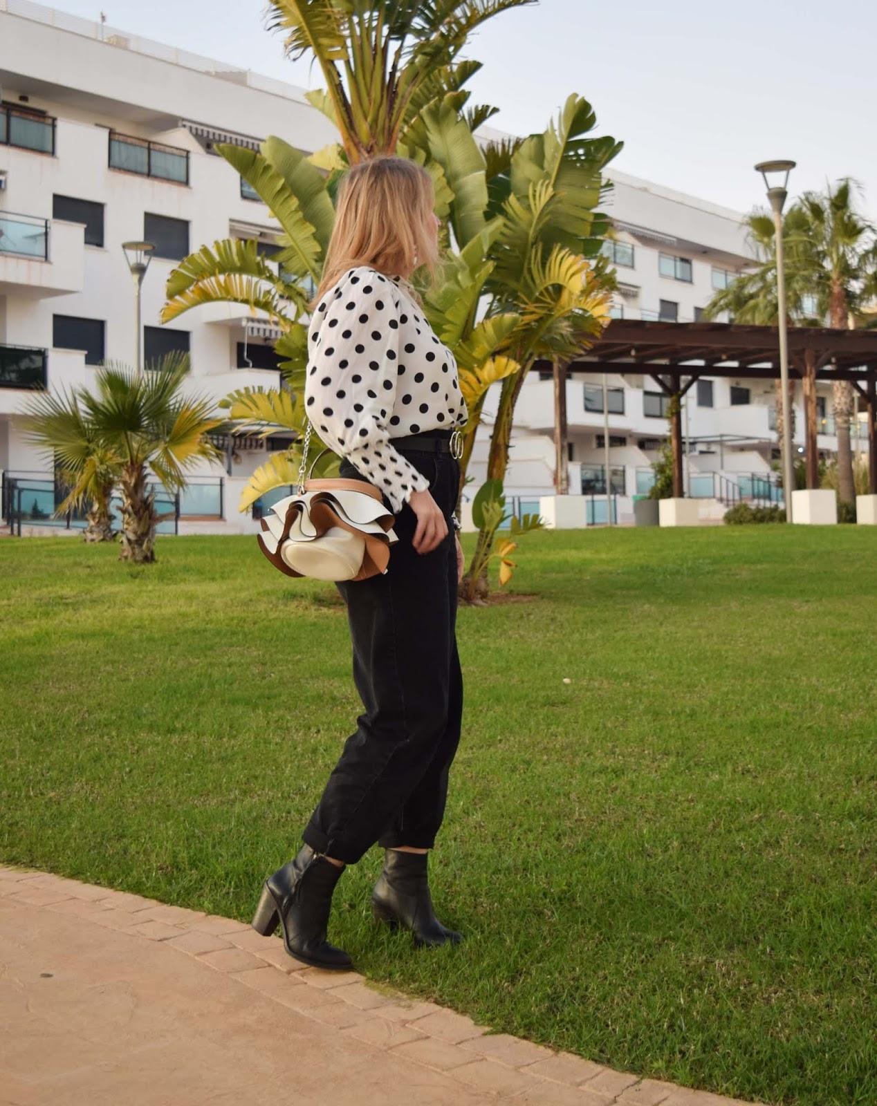 look_con_Lunares_y_Slouchy_otoño