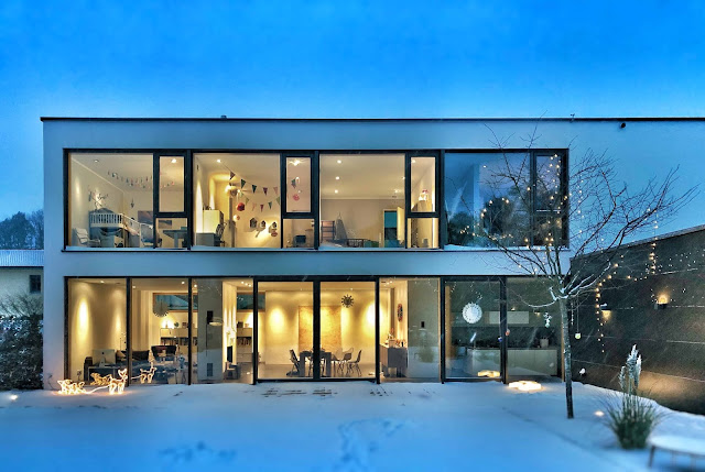 Smart lighting for home automation